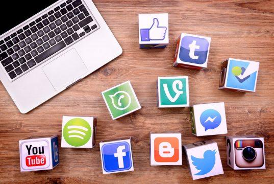 i social media